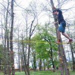 Slackline dans les arbres
